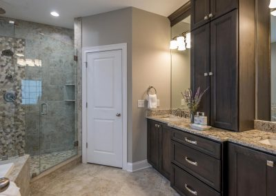Franklin Master Bath