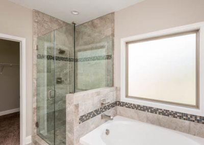 Abby Master Shower and Tub